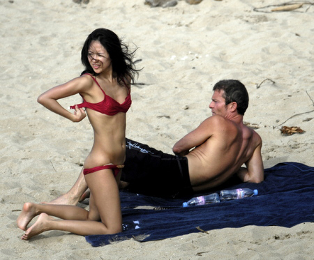 colombianas-jessica-st-martin-topless-beach-new-york-housewives